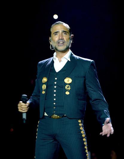 Alejandro Fernandez at Viejas Arena